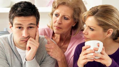 đừng lôi cha mẹ và người thân của nhau vào cuộc cãi vã