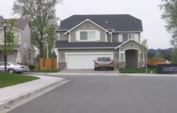 Nhà có đường đâm thẳng vào có nên mua hay không?