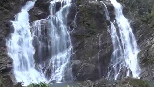 thác trắng